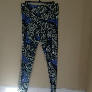 Lularoe snake leggings